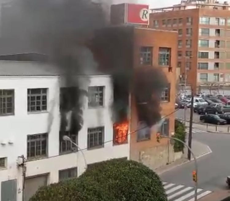 Incendi a la fàbrica Cremalleras Rubí